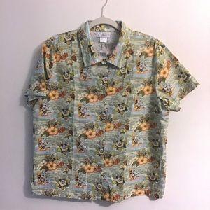 Disney Mickey Hawaiian shirt. Large